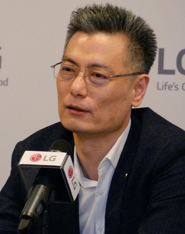 LG Electronics Mobile President Hwang Jeong-hwan 1